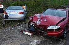 Sinop'ta iki otomobil çarpıştı: 1 ölü, 6 yaralı!