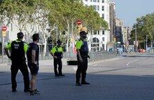 Barcelona'da minibüs yayaların arasında daldı