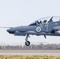 Avustralya Uluslararası Havacılık Fuarı'nda savaş uçakları hünerlerini sergiledi