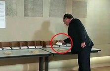 Hollande'ın oy kullanırken kendi partisinin pusulasını almaması dikkat çekti