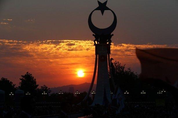 Beştepe'deki Şehitler Abidesi açıldı! Bakın o semboller ne anlama geliyor