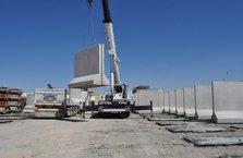 Suriye'de beton duvar çalışmaları hızlandı