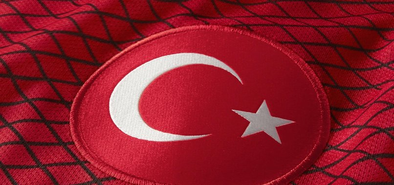 FATİH TERİM'DEN FARKLI İLK 11!