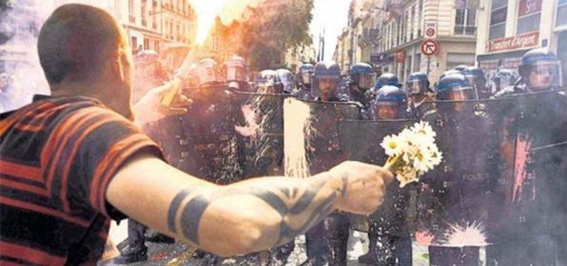FRANSA'DA HALK SOKAĞA DÖKÜLÜYOR!
