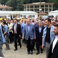 Erdoğan, RTEÜ Geliştirme Vakfı Güneysu Konakları inşaat sahasında incelemelerde bulundu