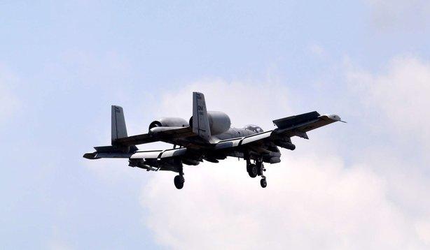 İncirlik Üssü'nde savaş uçağı hareketliliği