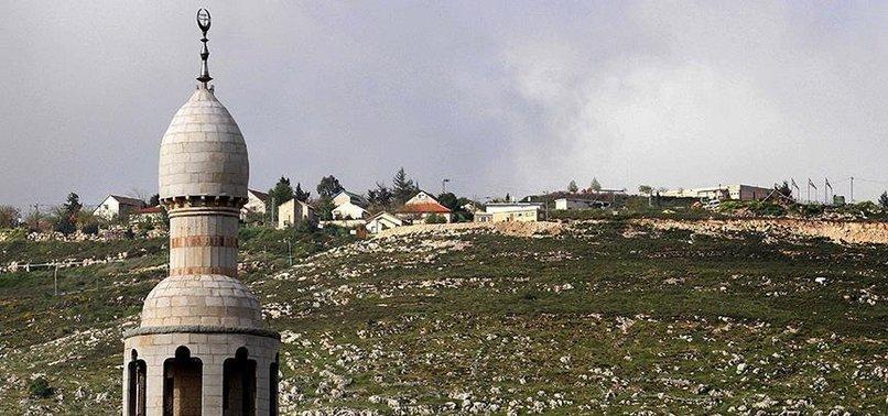 İSRAİL'DE HACKLENEN İKİ TELEVİZYON KANALINDAN EZAN SESİ YAYINLANDI