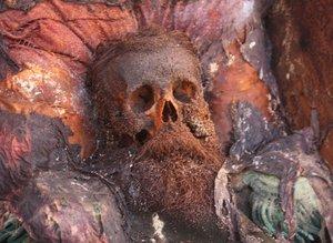 Rus komutana ait mezarın sırrı ortaya çıktı