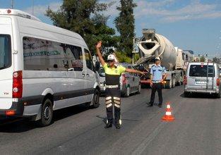 Polisten klipli trafik uyarısı