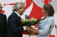 Almanya'da firari Can Dündar'a ödül