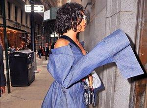 Rihanna'nın şaşırtan tarzı