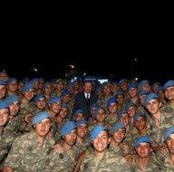 Başkomutan Recep Tayyip Erdoğan Mehmetçikle iftar yaptı