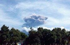 Volkan patladı 389 turist kayıp
