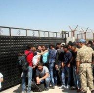 Suriyeli mülteciler Kurban Bayramı için ülkelerini gidiyorlar