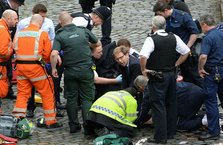 Hayatını kaybeden polise ilk müdahaleyi İngiliz bakanın yaptığı ortaya çıktı
