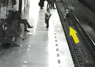 Küçük çocuk saniye farkıyla kurtarıldı
