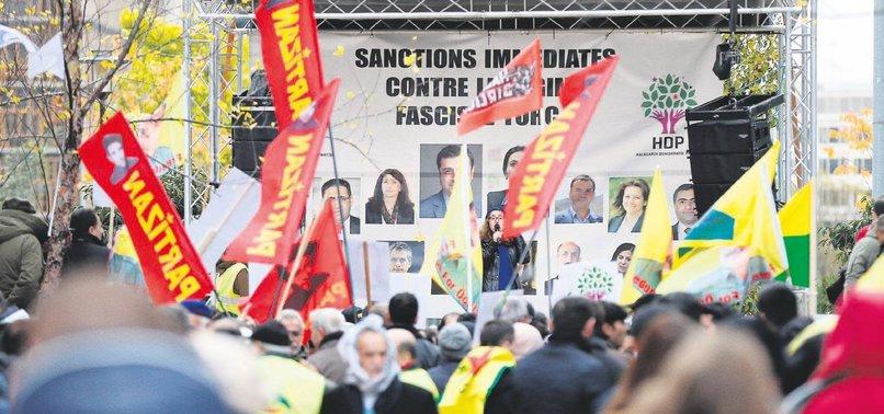 AP'DE YİNE PKK ŞOV