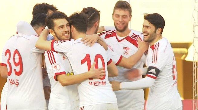 Sivasspor Göztepe'yi mağlup etti