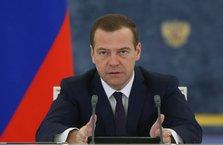 Rusya Başbakanı Medvedev: Kısıtlamaların kaldırılması kararı hızla hayata geçecek
