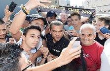 Juventus, Dani Alves'i kadrosuna kattı