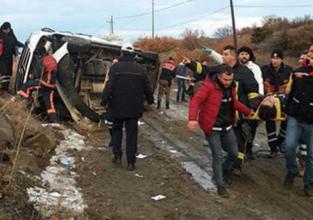 Öğrencileri taşıyan otobüs kaza yaptı: Ölü ve yaralılar var!