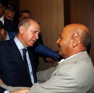Cumhurbaşkanı Erdoğan, şehit babası ile kucaklaştı