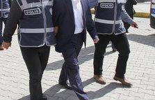Eski komiser yardımcısı Yunanistan'a kaçarken yakalandı