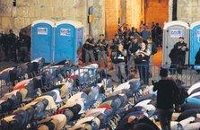 Mescid-i Aksa'da zulme karşı nöbet!