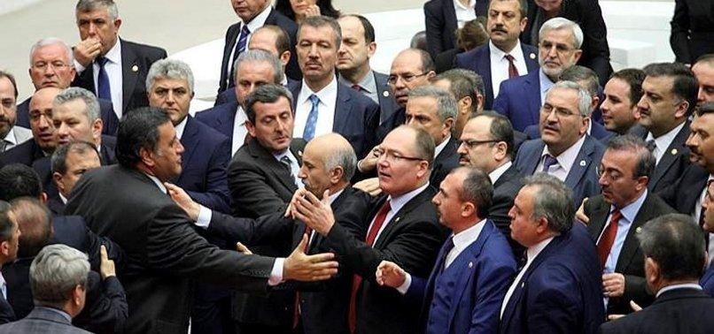 MECLİS'TE YUMRUKLUKAVGA! HDP'Lİ VEKİLLER TERÖR ESTİRDİ