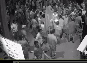 Darbeciler, 15 Temmuz'da şehit vatandaşların cenazelerini kaldırıma bıraktılar