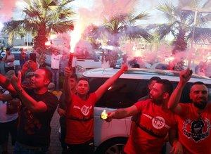 Menez'e Antalya'da coşkulu karşılama