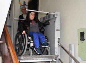 Engelli yüzme rekortmeni Özge'ye Erdoğan'dan 'asansör' desteği