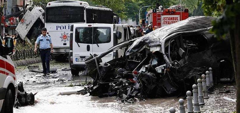 İSTANBUL VEZNECİLER'DE POLİSE BOMBALI SALDIRI