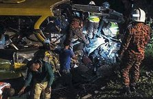 Otobüs uçuruma yuvarlandı: 17 ölü 22 yaralı!
