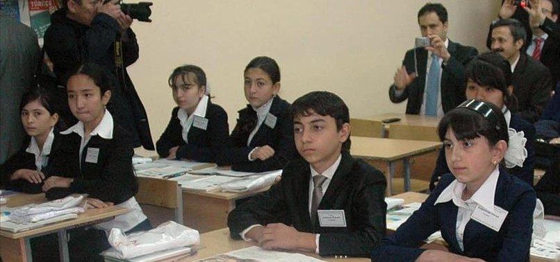 KAZAKİSTAN'DAKİ OKULLARDA BAŞÖRTÜ YASAĞI