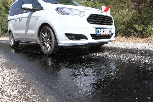 Fethiye'de asfalt eriten sıcaklar hayatı durdurdu