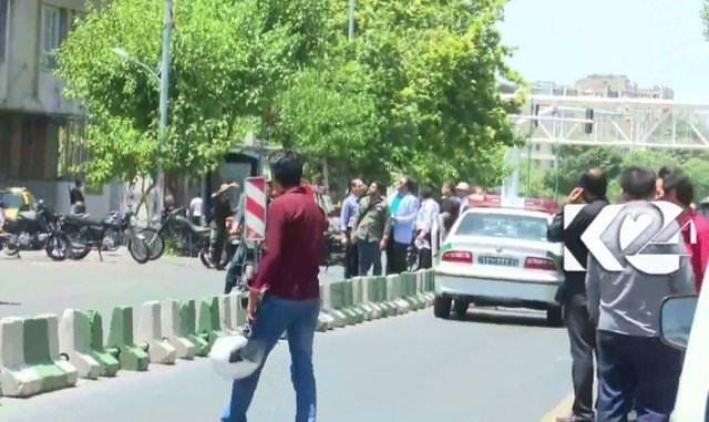 İran'daki çifte saldırıdan ilk fotoğraflar