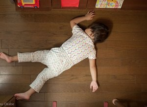 Çocukların her yerde uyuyabileceğini gösteren fotoğraflar