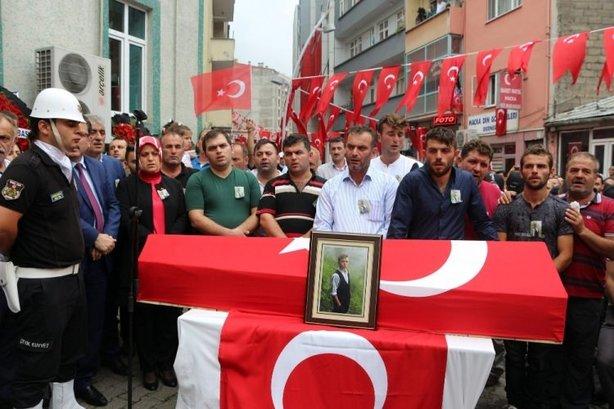 Şehit Eren Bülbül'ün cenazesinden anlamlı görüntüler
