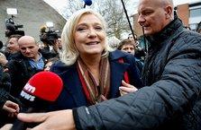 Aşırı sağcı Le Pen'e