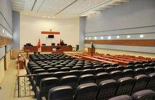 Darbeci askerler, kongre merkezinde yargılanacak