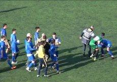 Yeşil sahada kavga! Futbolcunun burnu kırıldı