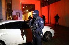 Polis çiçekçi kılığına girip katili yakaladı