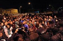 Bursasporlu taraftarlar futbolculara saldırdı!