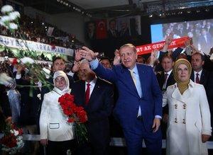 Cumhurbaşkanı Erdoğan: Durmak yok yola devam