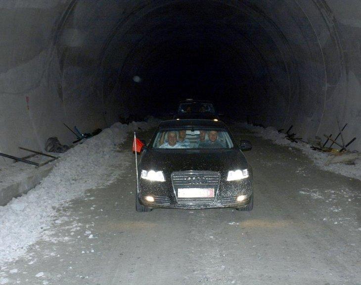 Dünyanın en uzun ikinci tüneli Ovit'te sona yaklaşıldı