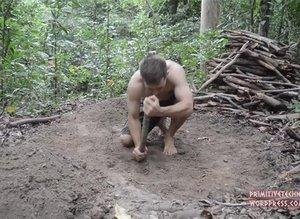 Genç adamın doğada yaptığına bakın!