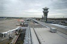 İhbar geldi! Paris Havalimanı boşaltılıyor...