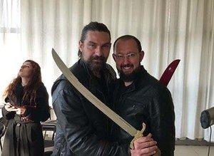 Bursalı bıçakçının yaptığı 'Diriliş' kılıç ve baltaları yok satıyor