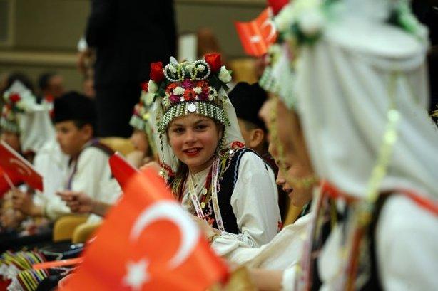 Cumhurbaşkanı Erdoğan çocukları Külliye'de kabul etti